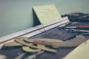 Life-of-Pix-free-stock-photos-furnitures-desk-school-szolkin