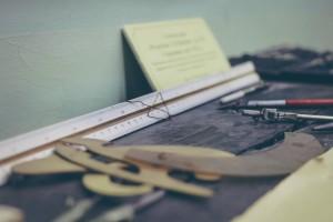 Life-of-Pix-free-stock-photos-furnitures-desk-school-szolkin_web_2